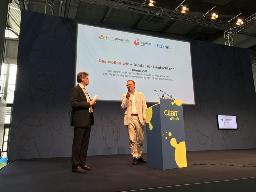 Vortrag zum Thema Digitalisierung auf der Cebit Tagung des innovatorsclub